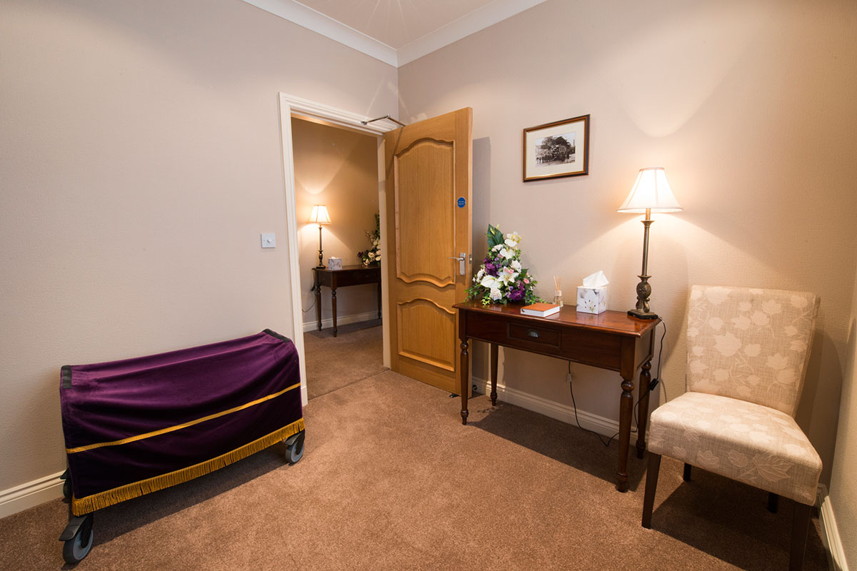 Oswaldtwistle 06 hyndburn funeral service for Www home interior